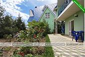 Территория - гостевой комплекс Зеленые домики в Курортном
